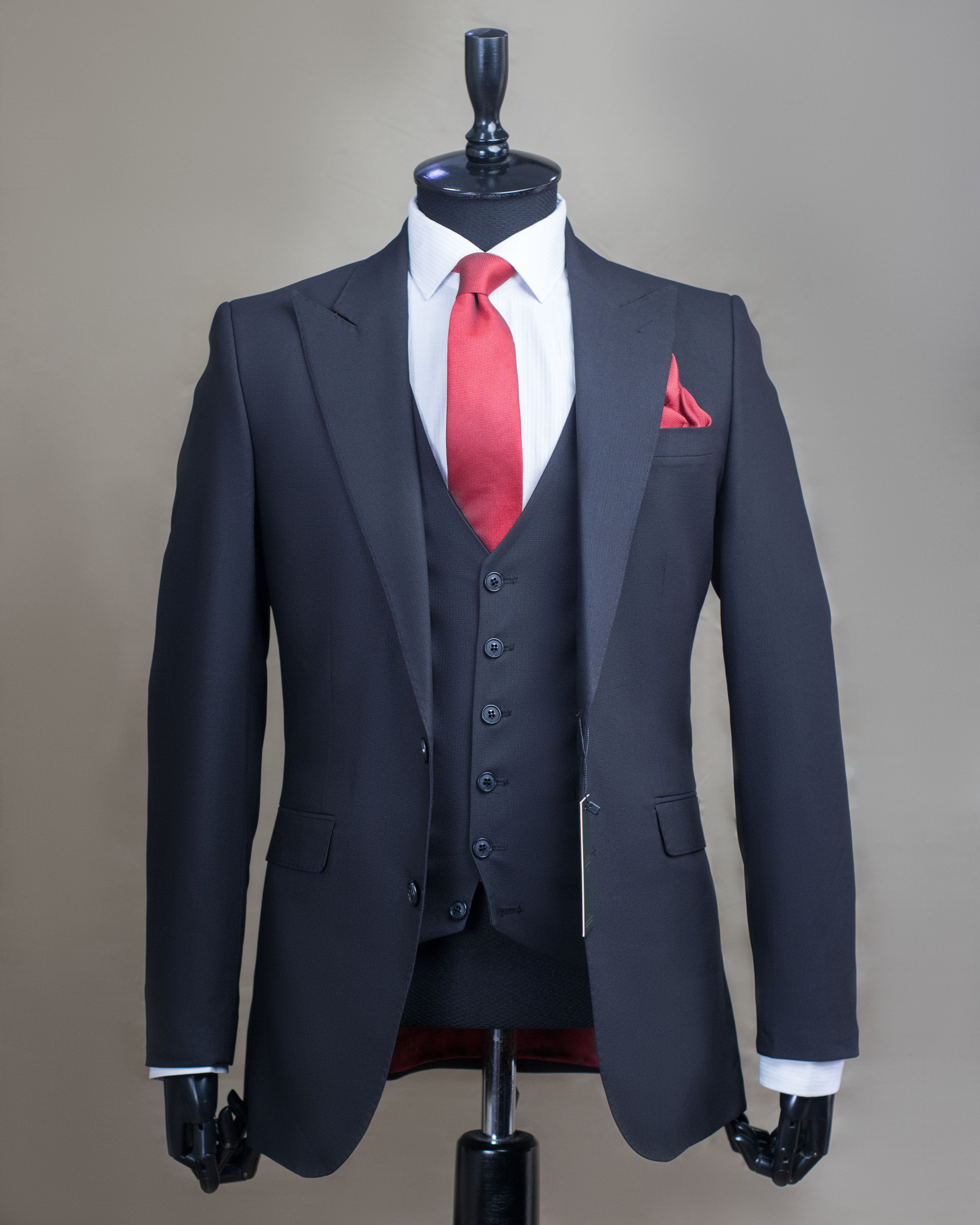 TAKE YOUR DRESSING UP A NOTCH WITH OUR LUXURY SUITS